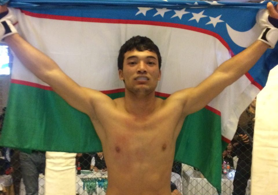 Uzbekistan's Shahzod Marupov knocks out his opponent in the first round
